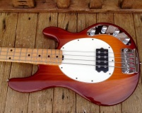 MusicMan £EQ Bass 1995 Honey